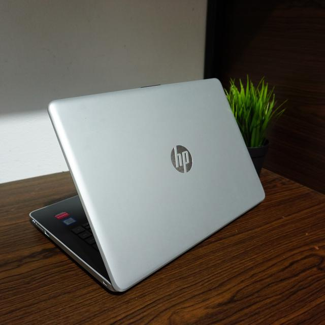 3 Rekomendasi Daftar Laptop HP yang Ringan Terbaru
